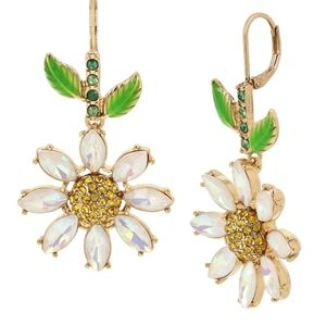 Betsey Johnson daisy dangle earrings NEW